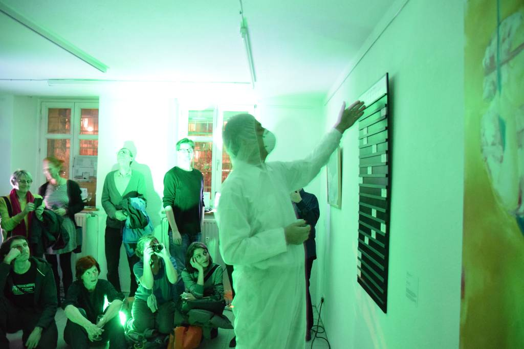 "Audio-visuelle Textperformance ""Schadstoff des Monats"" In ""Es verschlägt mir den Atem"", 11.01.2019, Group Global 3000, Berlin Tom Albrecht Sustainable Art"